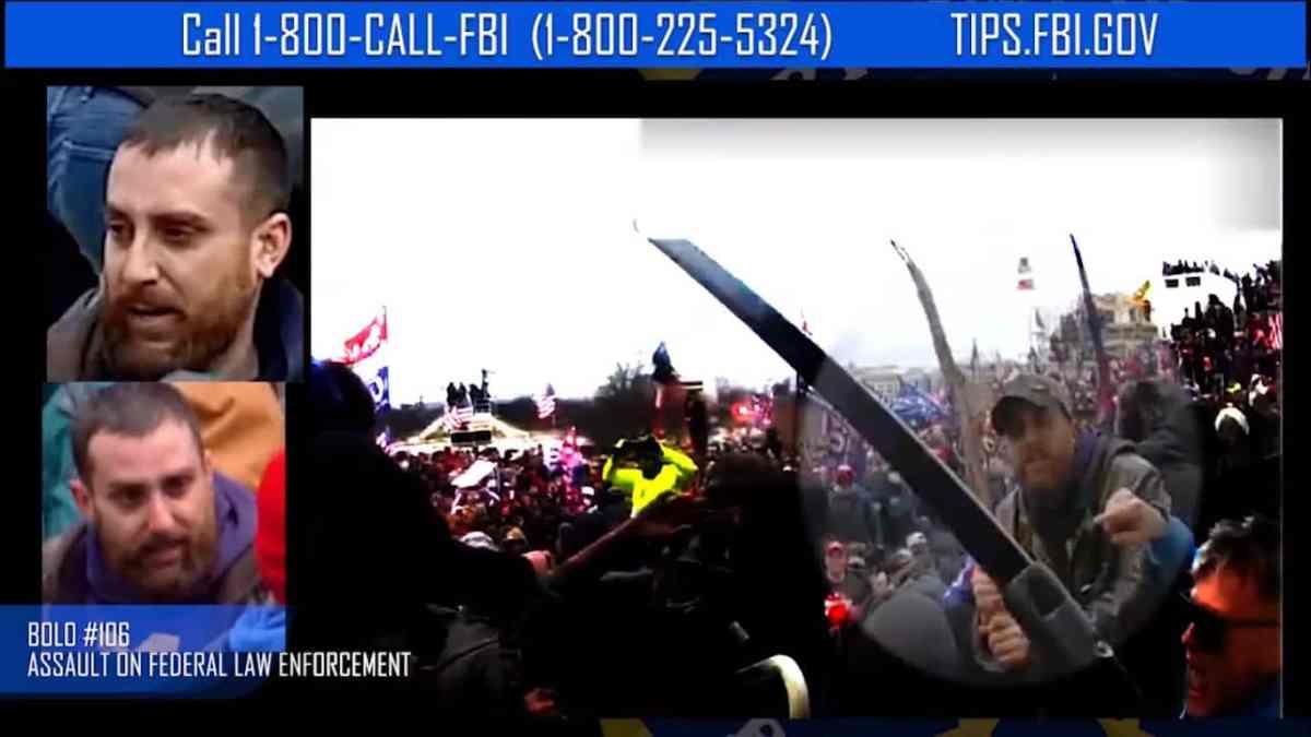 FBI revela dos nuevos videos de ataque al Capitolio, busca sospechosos