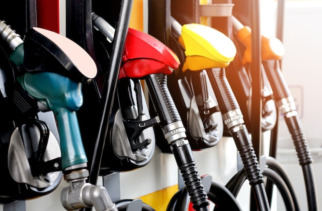 """""""No suban precios tras hackeo"""", advierte Biden a gasolineras"""