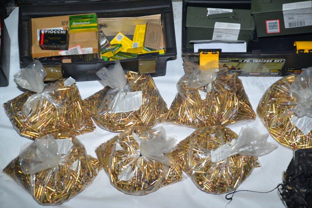 Hallan 22 mil cartuchos de bala en casa del pistolero de San José, California