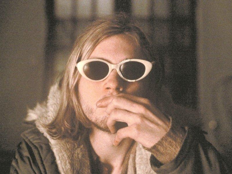subastan-pelo-Kurt-Cobain