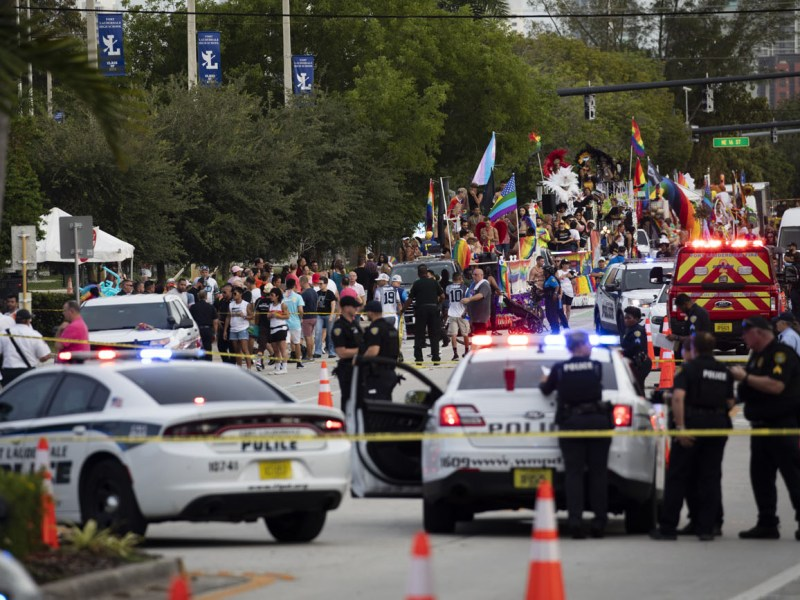 1 muerto en marcha del Orgullo LGBTQ en Wilton Manors, Florida