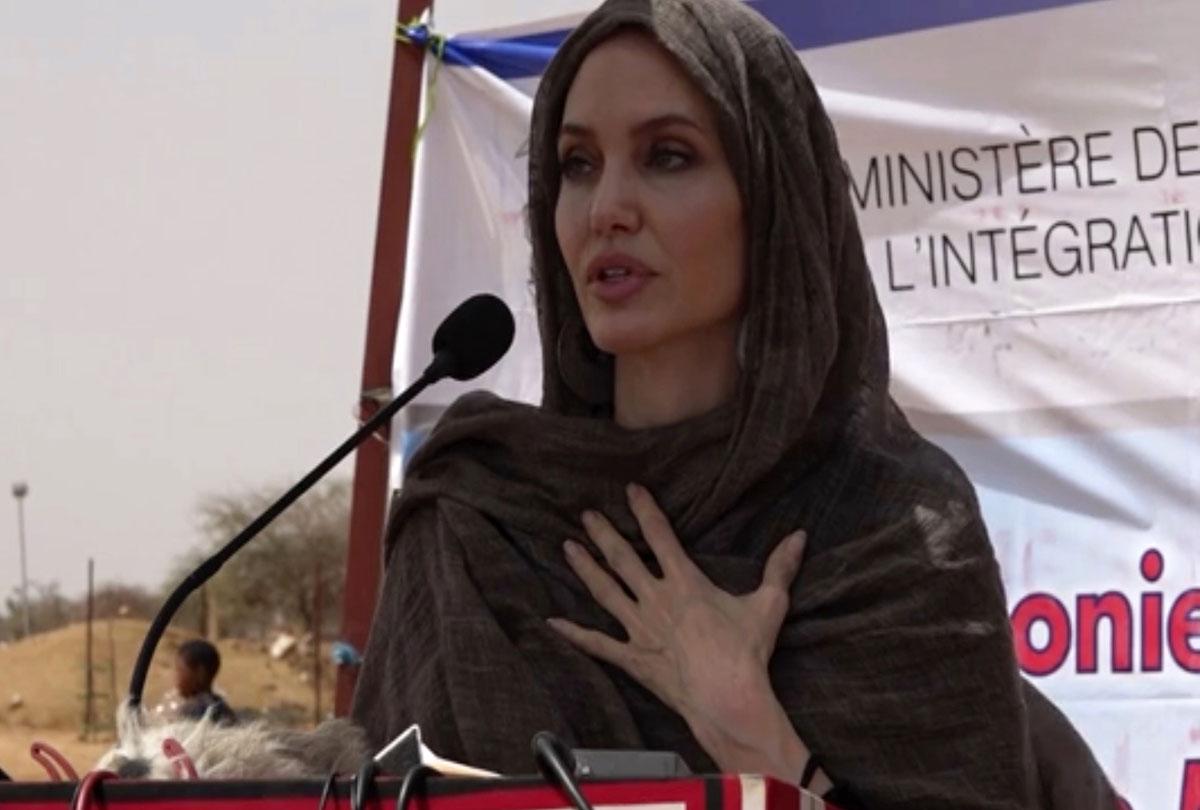 Angelina Jolie visita Burkina Faso
