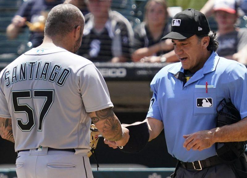 Hector-santiago-suspendido-MLB
