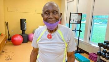 Hombre de 100 años hace ejercicio todas las semanas en Raleigh