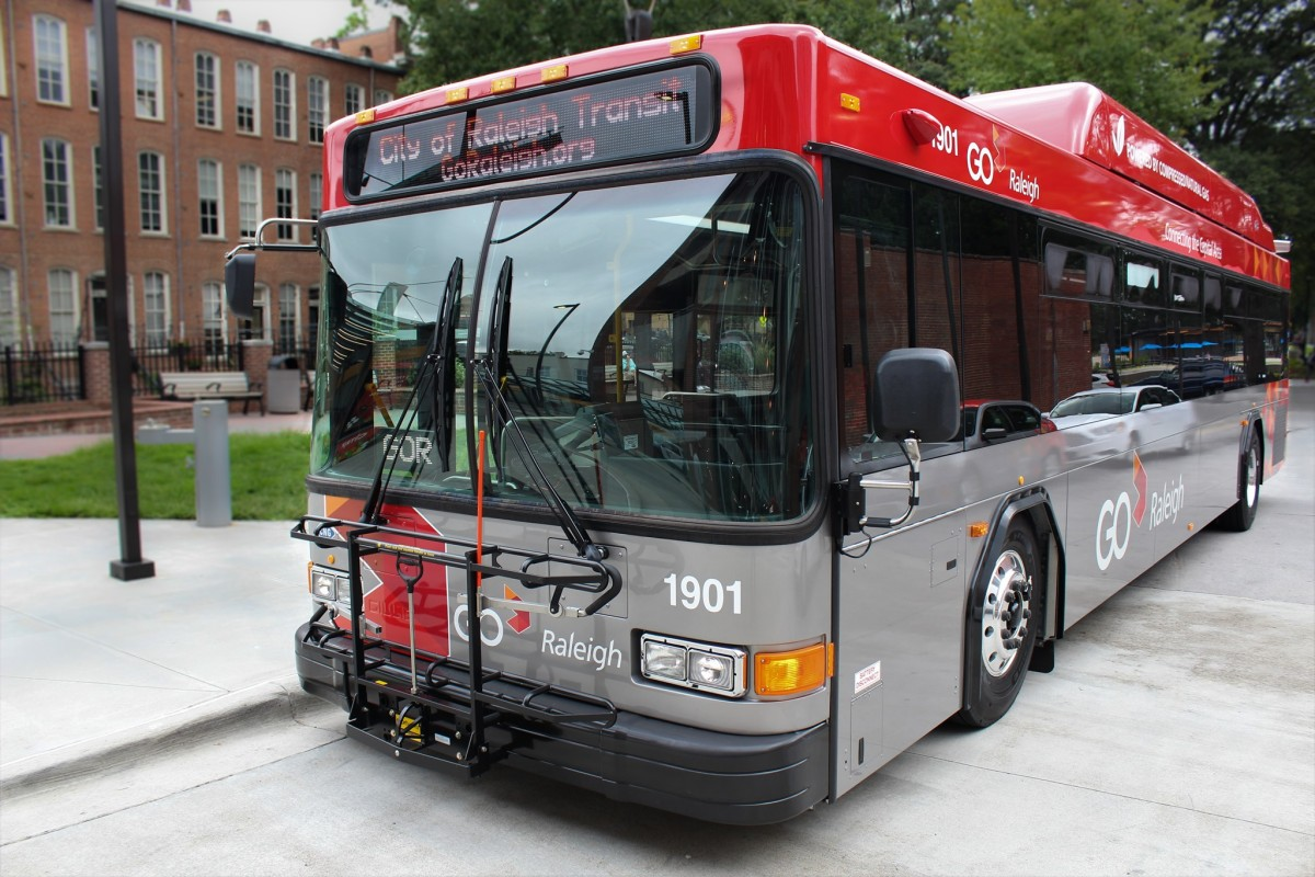 Viajes en autobús de Raleigh gratis por un año más
