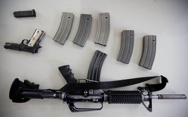 Armas-Autoridades-sillones