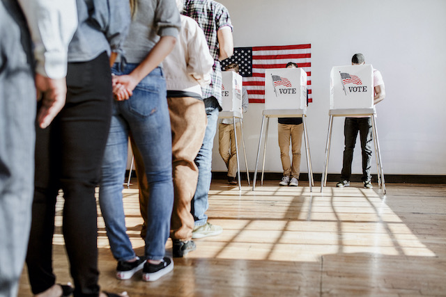 Buscan prohibir contar votos ausentes recibidos tarde en Carolina del Norte