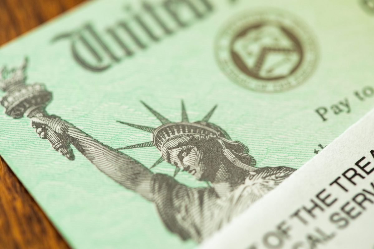 cheque-500-dolares-programa-ingreso-basico-universal-que-es-quienes-lo-cobran