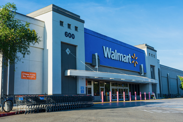 Disparan a sospechoso de asesinato en Walmart de Carolina del Norte
