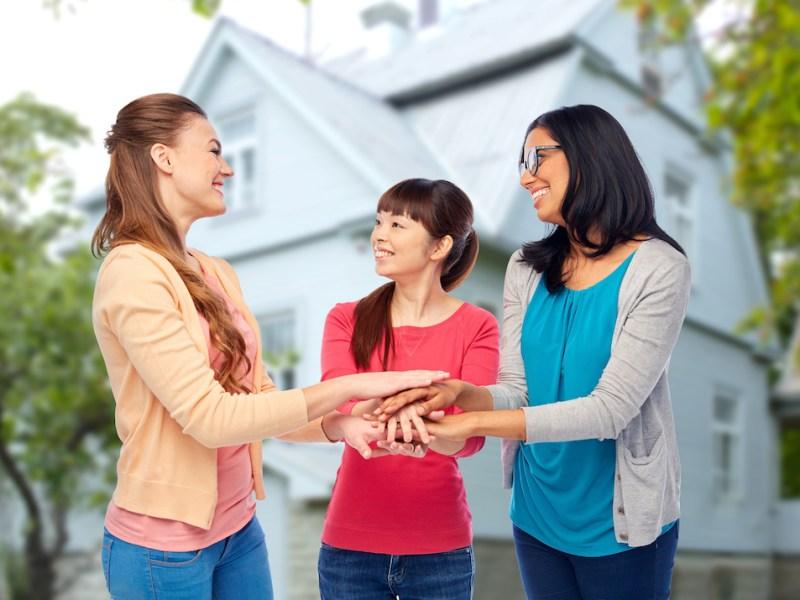 Su salud está ligada a cómo se lleva con sus vecinos, según la ciencia