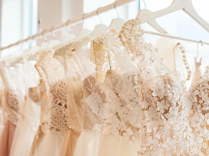 Más de 1,000 vestidos con grandes descuentos se venderán cerca de Charlotte