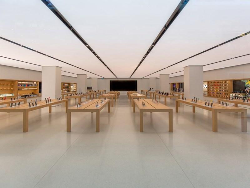 Apple exigirá mascarillas en la mayoría de las tiendas debido a COVID-19