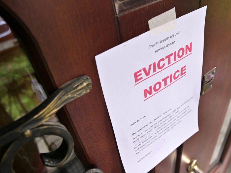 La congresista Alma Adams ha patrocinado una ley con el fin de extender la moratoria de desalojos para proteger a los inquilinos impactados por la pandemia. © Вячеслав Думчев / Adobe Stock