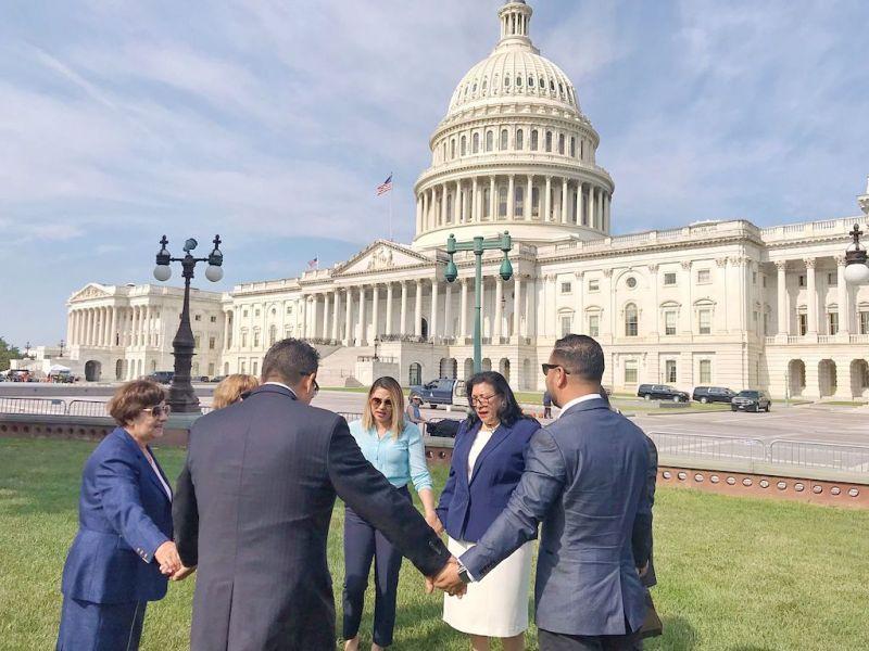 Presionan a Senadores de Carolina del Norte para que apoyen reforma migratoria