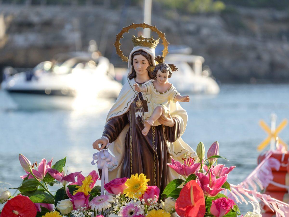 como-pedirle-en-oracion-a-la-milagrosa-virgen-del-carmen