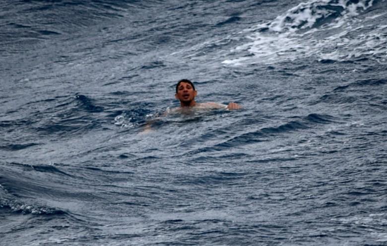 rescatan-a-13-migrantes-cubanos-en-alta-mar-frente-a-florida