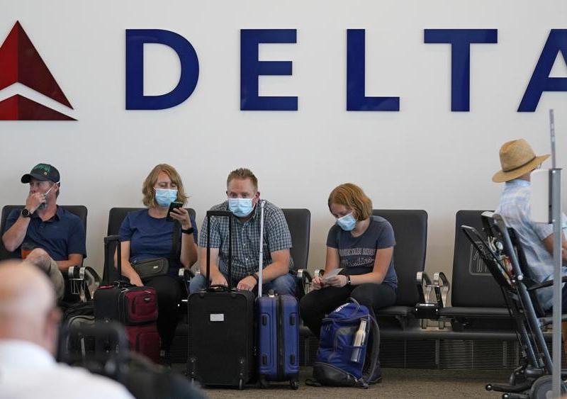 """La aerolínea dice que los empleados no vacunados son un """"riesgo financiero"""". Foto AP / Rick Bowmer"""