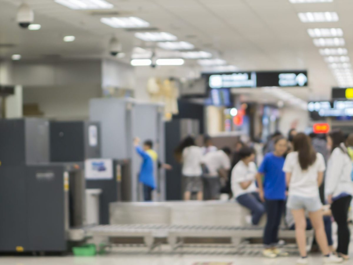 Una adolescente transgénero de Carolina del Norte se sometió a un registro sin ropa en el Aeropuerto Internacional de Raleigh-Durham.