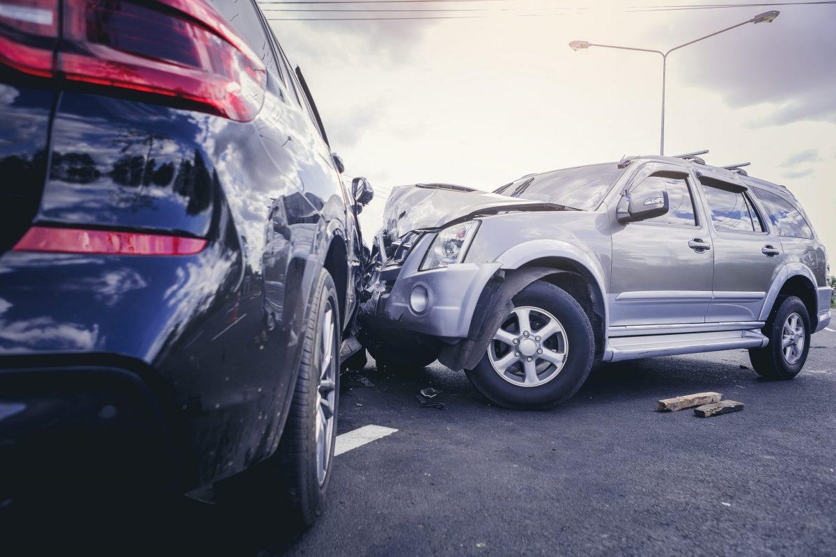La policía de Charlotte-Mecklenburg está investigando una colisión fatal de un vehículo motorizado que mató a un joven de 28 años.