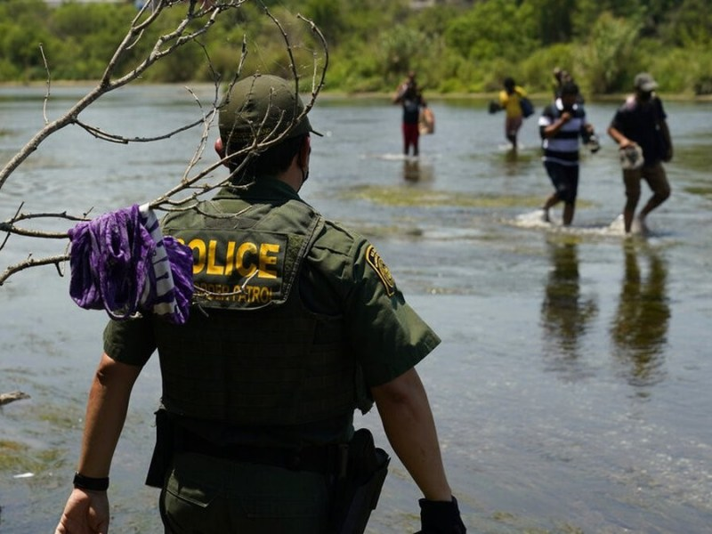 migrante muere muro fronterizo