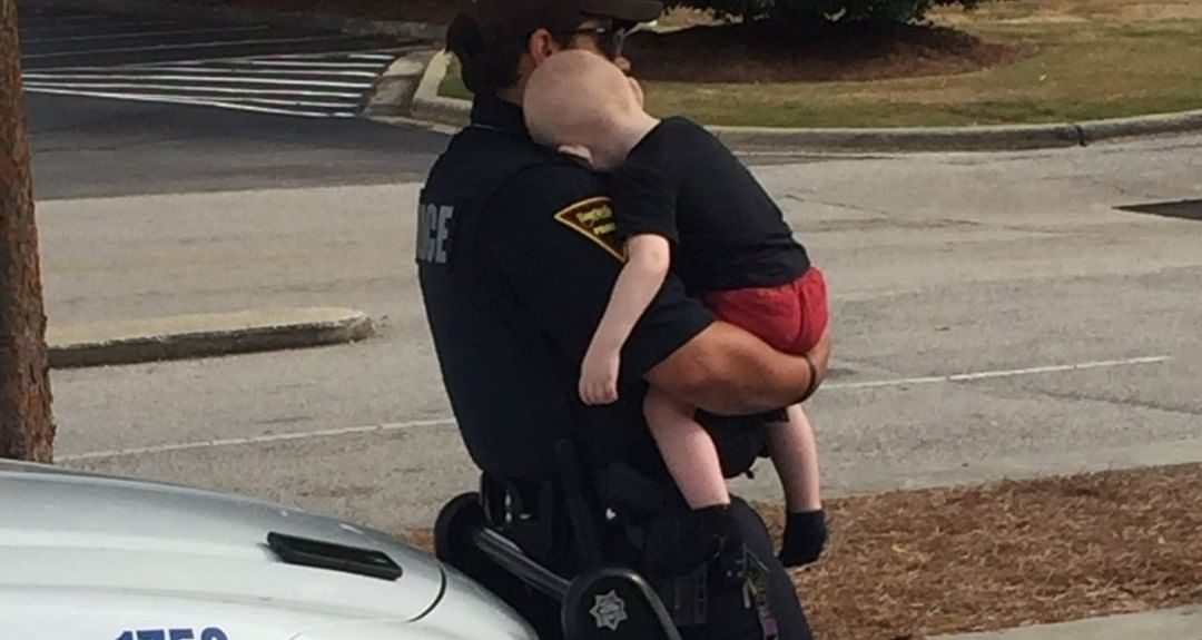 bebé auto padres sobredosis