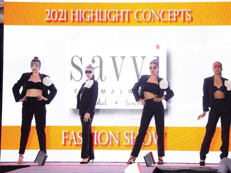 Desfile de moda de Raleigh une culturas a través de su evento