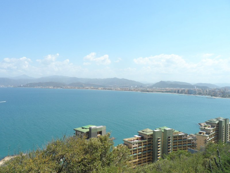 Luisito Comunica compra una casa en Venezuela frente al mar