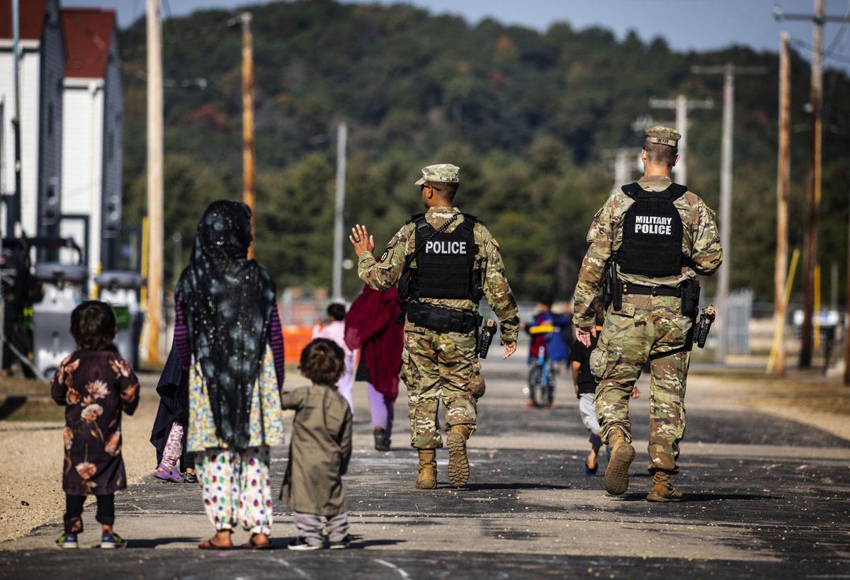 Más evacuados afganos llegarán a EUA