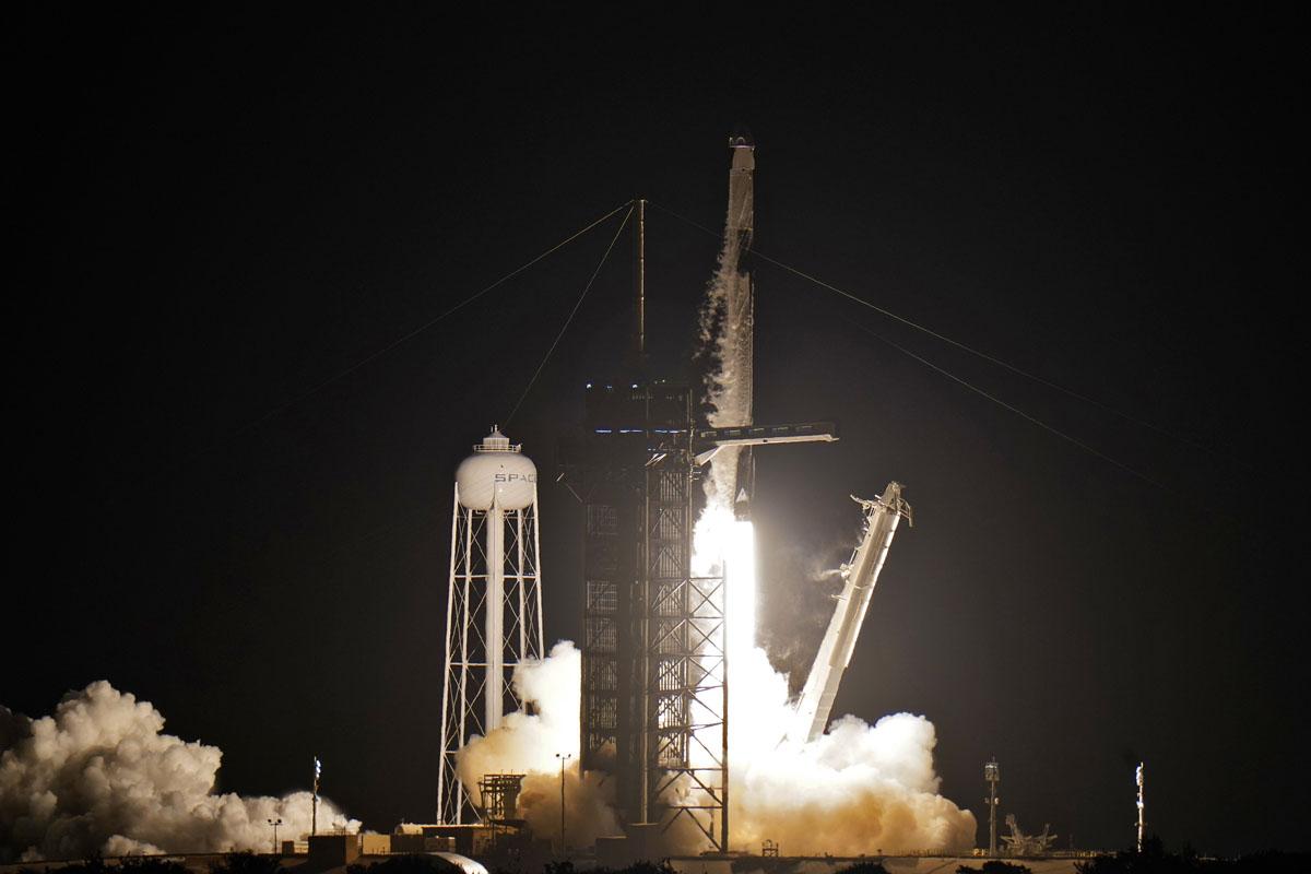 SpaceX: así fue el lanzamiento de su primer viaje con turistas al espacio