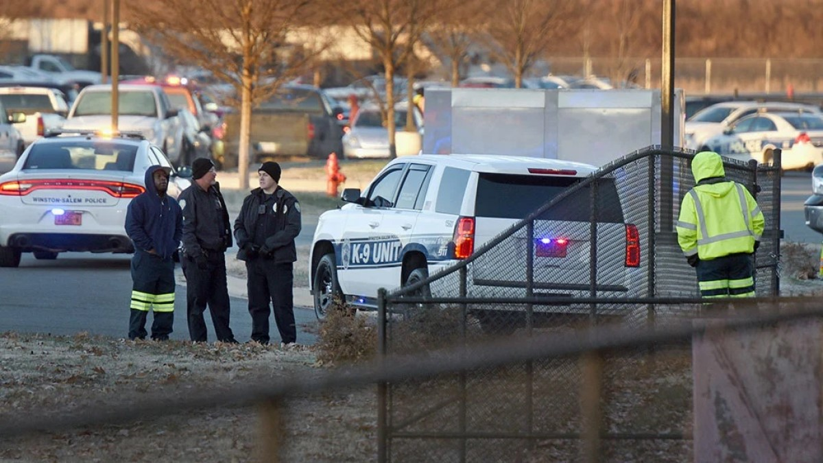 autoridades armas escuelas Winston Salem
