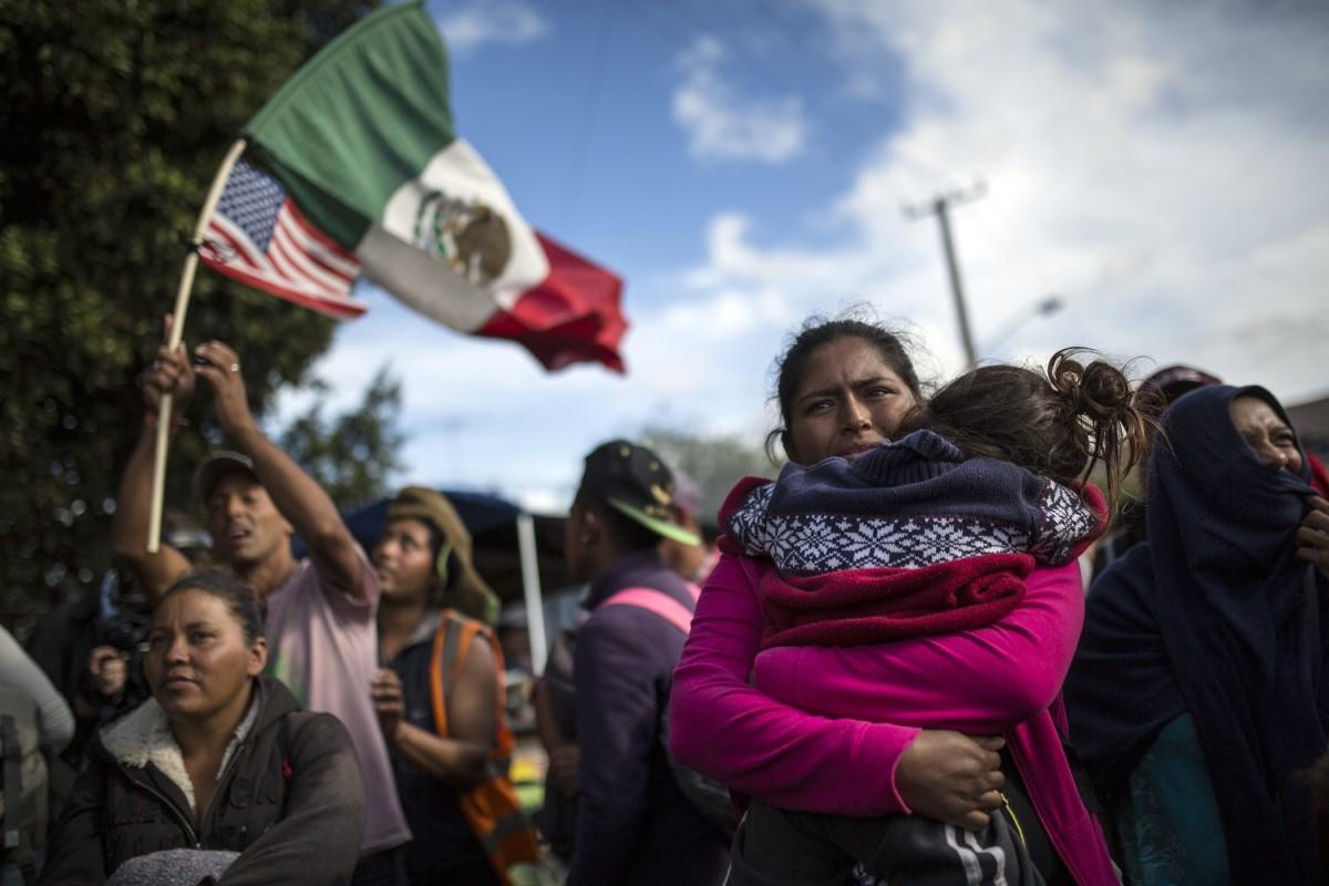 migrante muro fronterizo muere