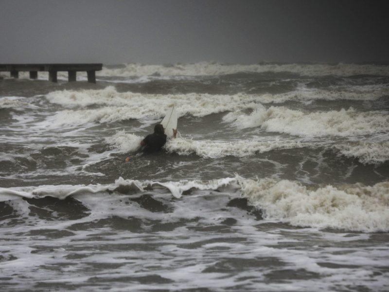 nicholas-pierde-fuerza-pero-sigue-siendo-peligroso-por-intensas-lluvias