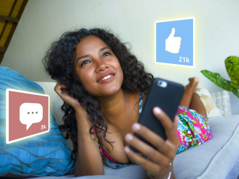 Si nuestro estado de ánimo cambia por lo que ocurre en las redes sociales, quién comenta nuestras fotos, etc., es un indicador que su influencia en nuestra vida no es saludable. (Foto: TheVisualsYouNeed / Abode Stock)
