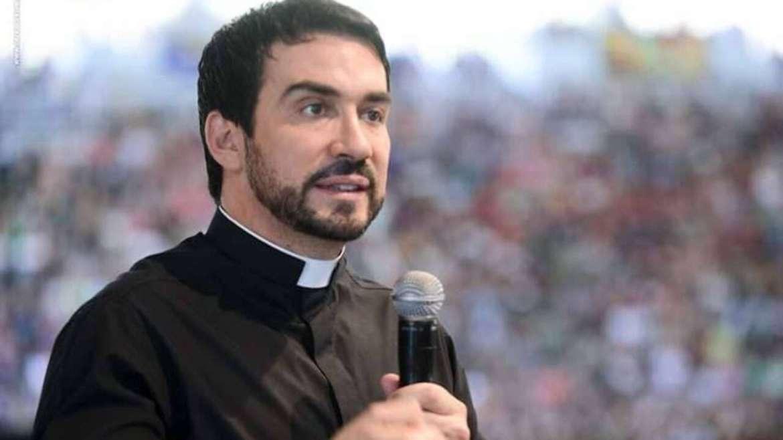"""Padre Fábio de Melo revela relação com mulher: """"paixão avassaladora"""" - La  Notícia"""