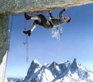 G.Rébuffat escalando en los Alpes