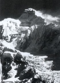 Jannu 7710 m. (Pht. expedition L.Terray. 1962).