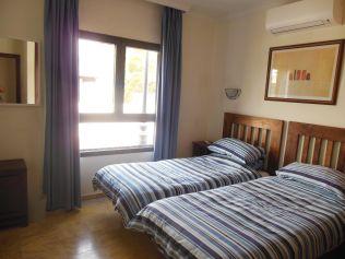 villa palmera twin bedroom