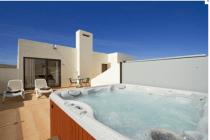 Casa_Maelle_Hot_Tub