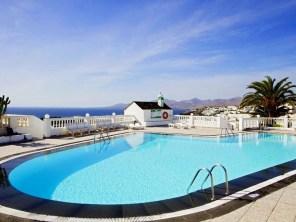 Oceanview pool