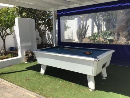 Villa Ani Lee 8 ball Pool table