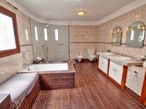 Providencia bathroom