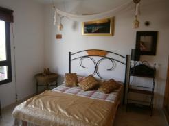 Dos Estrellas Bedroom