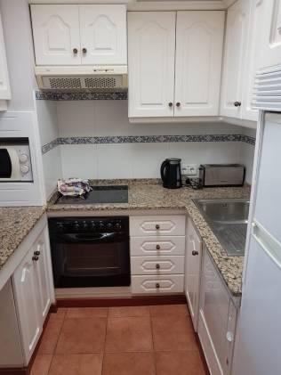 Amarilla 7 kitchen