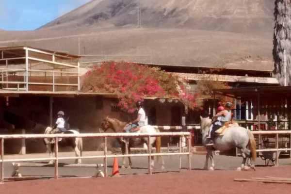 Lanzarote a Caballo