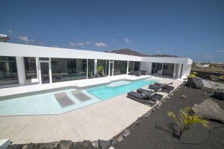 Villa 563