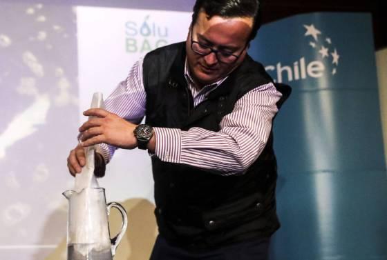 chile-emprendedores-fabrican-bolsas-plasticas-que-no-contaminan
