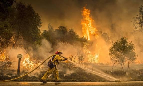 emergencia-por-incendios-en-california-ya-hay-mas-de-38-000-evacuados-y-seis-muertos
