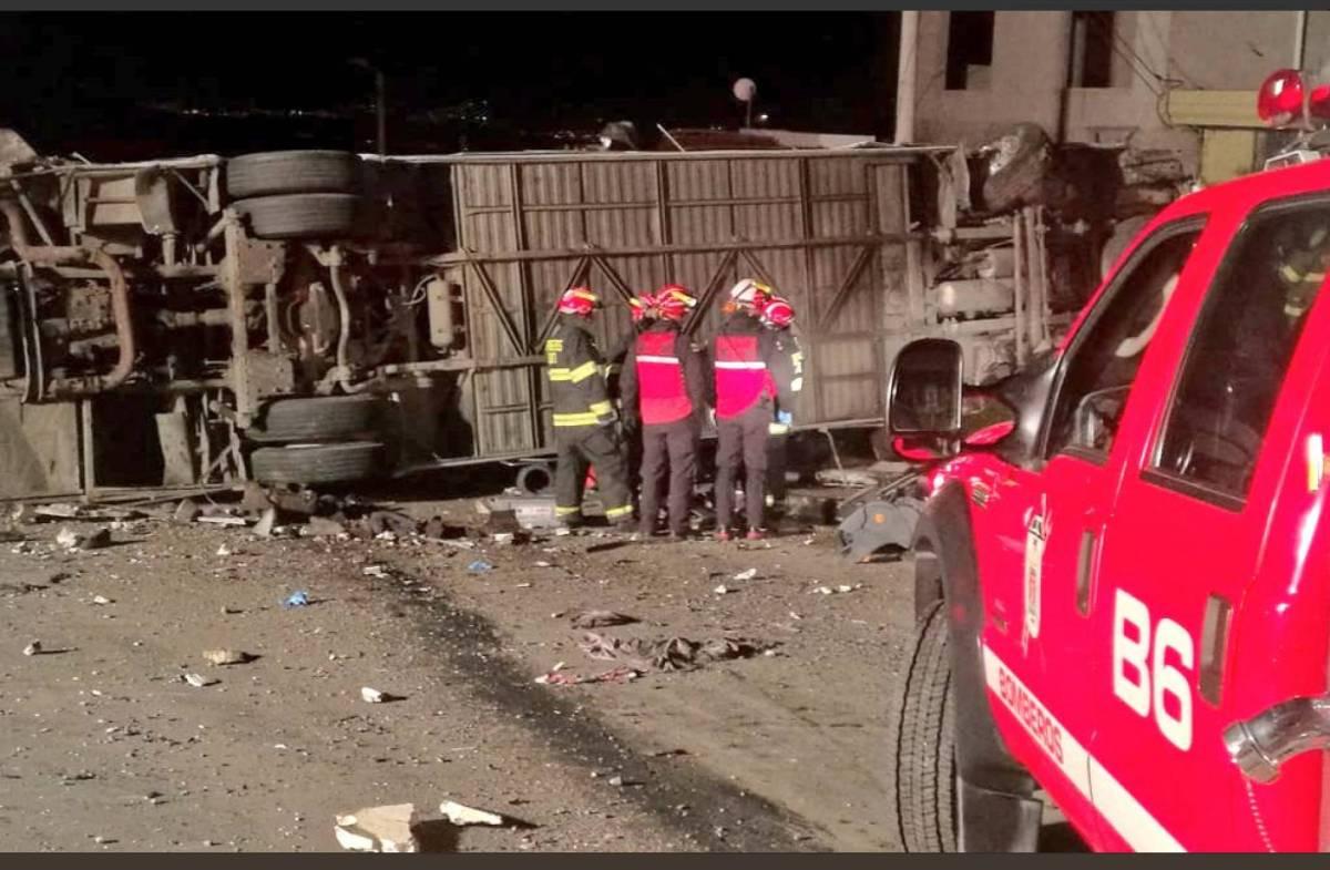 Accidente de autobús en Ecuador: hay al menos 24 personas fallecidas