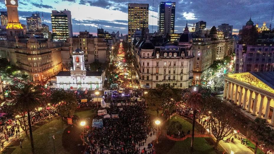 Argentina: multitudinaria marcha por la educación pública