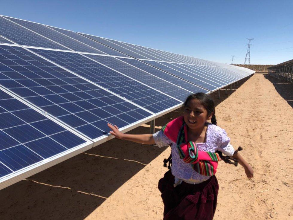 Bolivia inauguró la mayor planta de energía alternativa de su historia